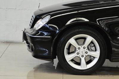 Mercedes-Benz C230 2006 (11).JPG