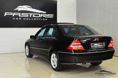 Mercedes-Benz C230 2006 (12).JPG