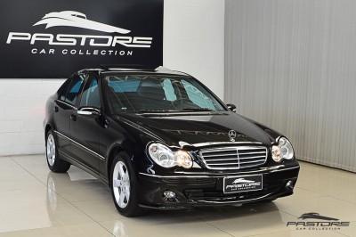 Mercedes-Benz C230 2006 (8).JPG