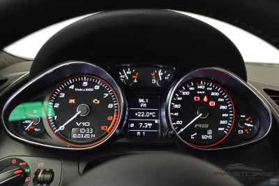 Audi R8 5.2 V10 FSI 2012 (38).JPG