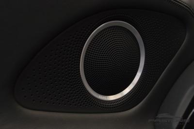 Audi R8 5.2 V10 FSI 2012 (27).JPG