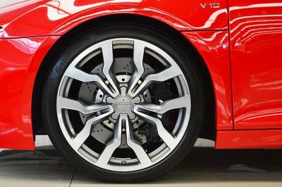 Audi R8 5.2 V10 FSI 2012 (11).JPG