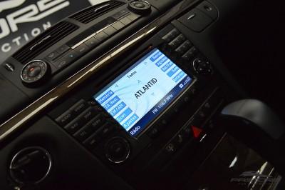 Mercedes-Benz E320 2005 (19).JPG
