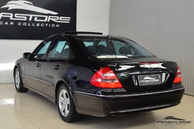 Mercedes-Benz E320 2005 (10).JPG