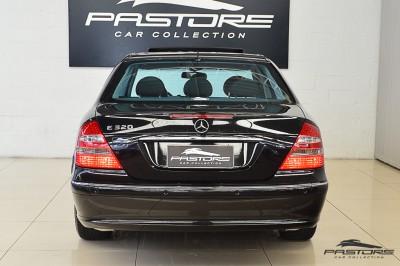 Mercedes-Benz E320 2005 (3).JPG