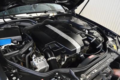 Mercedes-Benz E320 2005 (6).JPG