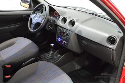 Chevrolet Celta Life 2010 (15).JPG