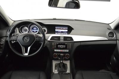 Mercedes-Benz C200 Avantgarde 2013 (5).JPG