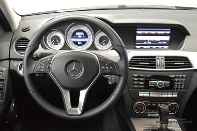 Mercedes-Benz C200 Avantgarde 2013 (21).JPG