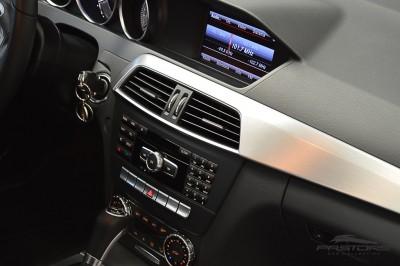 Mercedes-Benz C200 Avantgarde 2013 (23).JPG