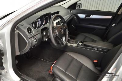 Mercedes-Benz C200 Avantgarde 2013 (4).JPG
