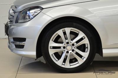 Mercedes-Benz C200 Avantgarde 2013 (11).JPG
