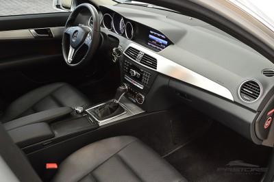 Mercedes-Benz C200 Avantgarde 2013 (22).JPG