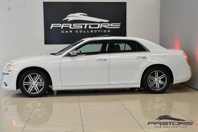 Chrysler 300C 2012 (2).JPG