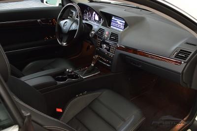 Mercedes-Benz E350 Coupe 2011 (26).JPG