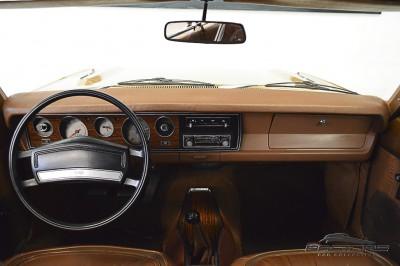 Dodge Charger RT 1977 (5).JPG