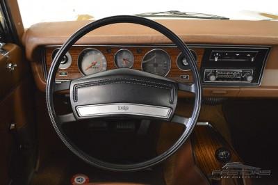 Dodge Charger RT 1977 (30).JPG