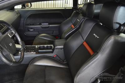 Dodge Challenger SRT8 (4).JPG