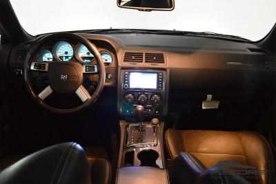 Dodge Challenger SRT8 (5).JPG