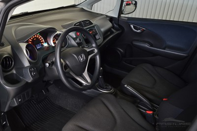 Honda Fit LX 2009 (4).JPG