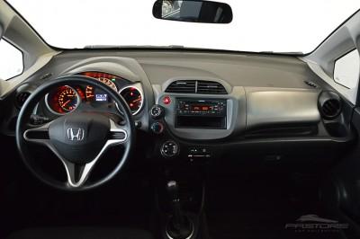 Honda Fit LX 2009 (5).JPG