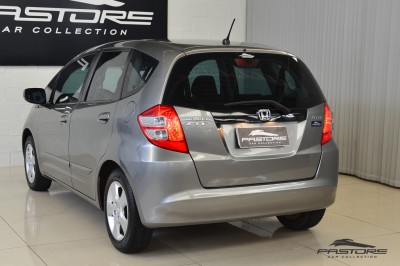 Honda Fit LX 2009 (10).JPG