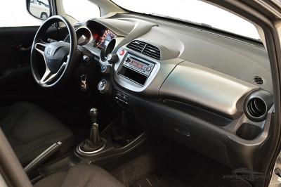 Honda Fit LX 2009 (15).JPG
