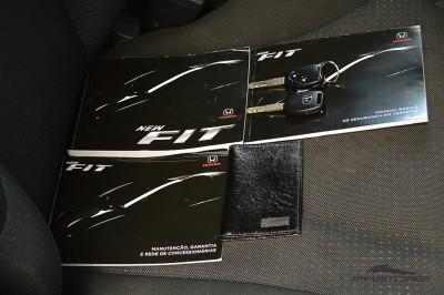 Honda Fit LX 2009 (16).JPG