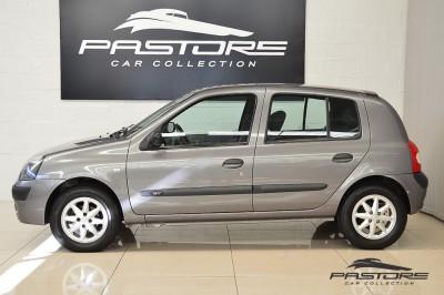 Renault Clio (2).JPG