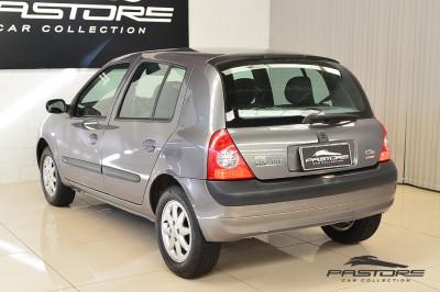 Renault Clio (15).JPG