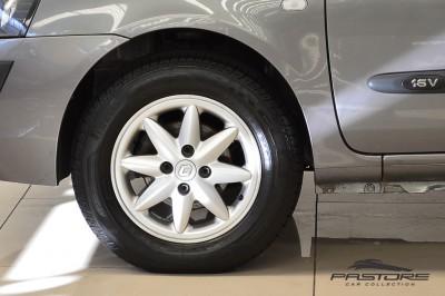 Renault Clio (9).JPG
