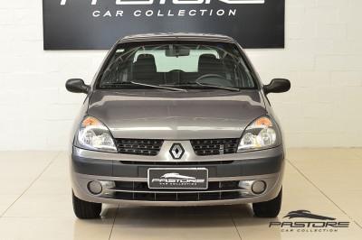 Renault Clio (7).JPG