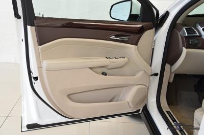 Cadillac SRX  (13).JPG
