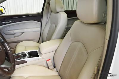 Cadillac SRX  (12).JPG