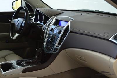 Cadillac SRX  (20).JPG
