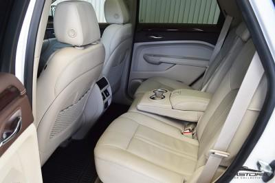 Cadillac SRX  (11).JPG