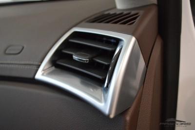 Cadillac SRX  (26).JPG