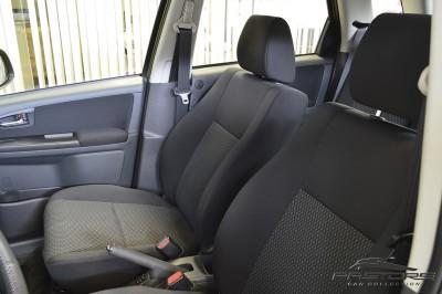 Suzuki SX4 AWD - 2013 (17).JPG