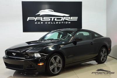 Ford Mustang V6 2014 (1).JPG