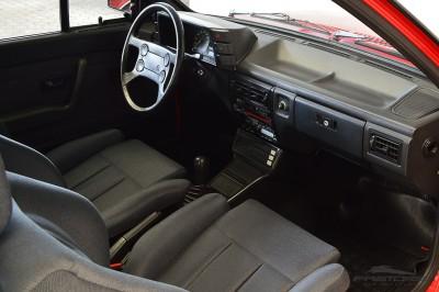 VW Voyage GLS 1988 (27).JPG