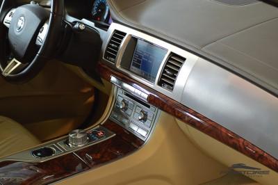 Jaguar XF (25).JPG