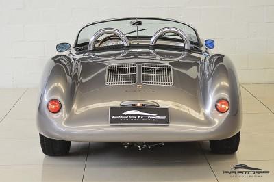 Porsche 550 Spyder (3).JPG