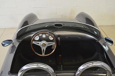 Porsche 550 Spyder (5).JPG