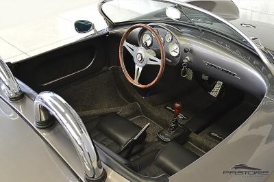 Porsche 550 Spyder (17).JPG