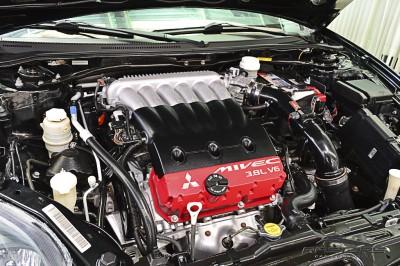 Mitsubishi Eclipse GT 3.8 V6 - 2008 (6).JPG
