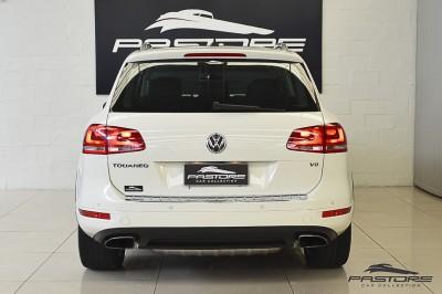 VW Touareg 4.2 V8 2011 (3).JPG