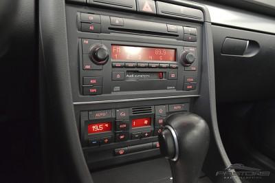 Audi A4 1.8T 2006 (14).JPG