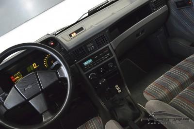Chevrolet Kadett GSI 1993 (25).JPG