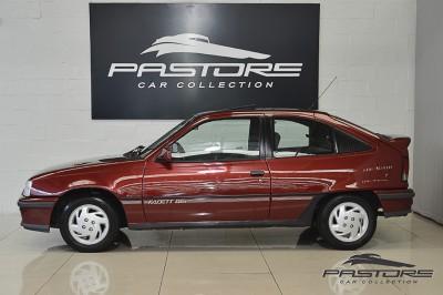 Chevrolet Kadett GSI 1993 (2).JPG