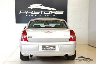 Chrysler 300C SRT8 2007 (3).JPG